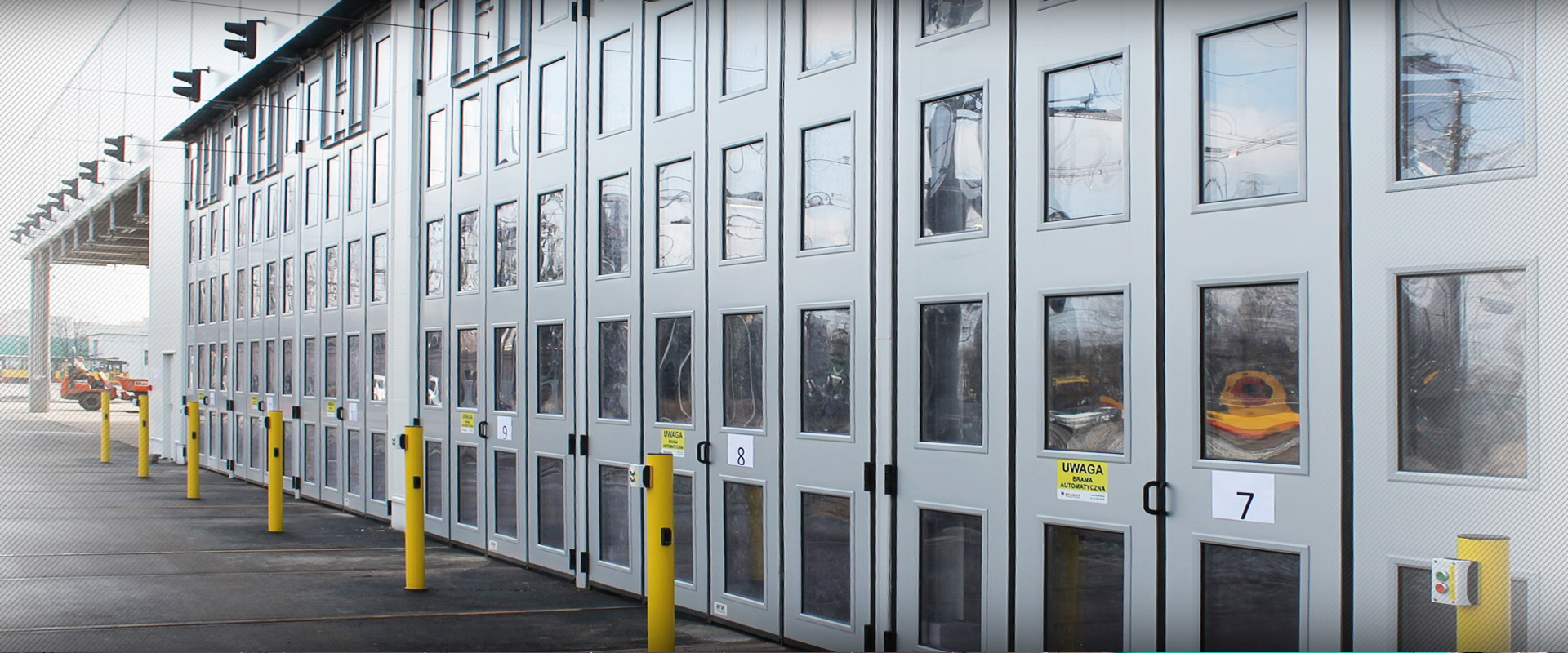Insulated industrial doors SUPERTHERMIC 2.jpg